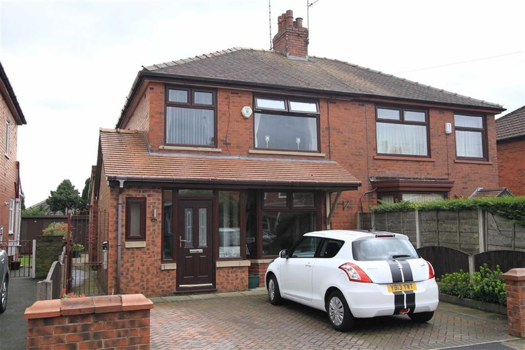 3 Bedrooms Semi Detached House for sale in 42, Phyllis Street, Passmonds, Rochdale, OL12