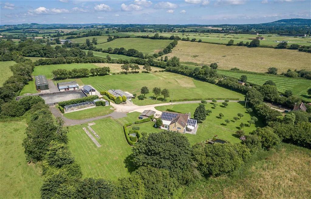3 Bedrooms Detached House for sale in Verrington, Wincanton, Somerset, BA9