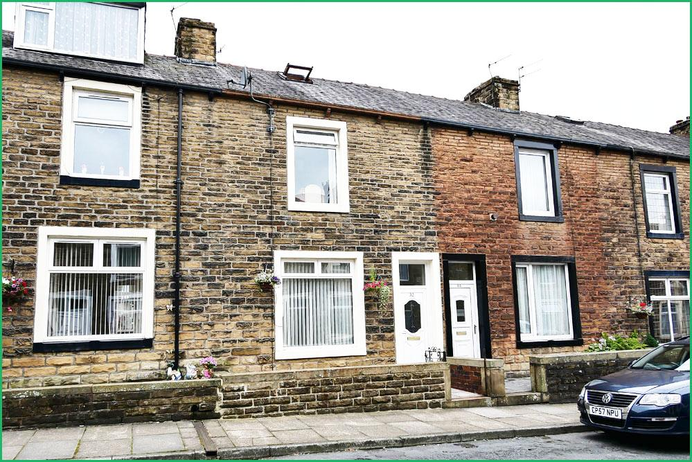 3 Bedrooms Terraced House for sale in Lower West Avenue, Barnoldswick BB18