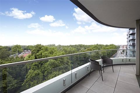 3 bedroom flat for sale - Cascade Court, 1 Sopwith Way, London, SW11