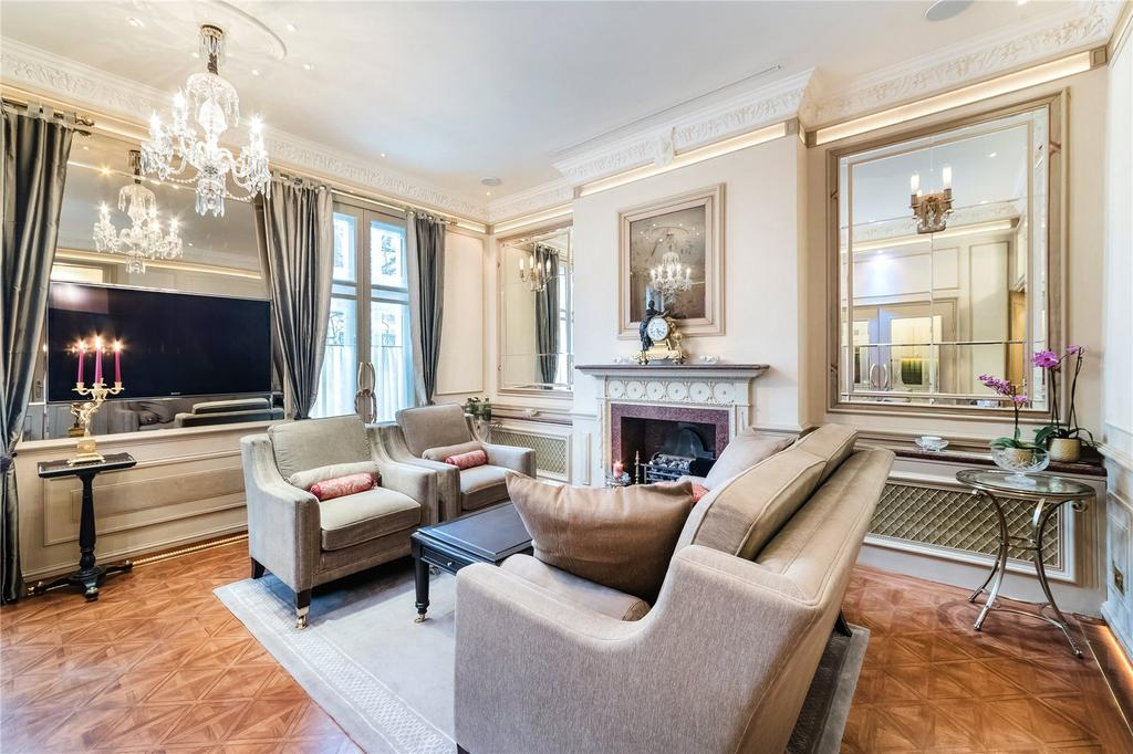 1 Bedroom Flat for sale in Thurloe Place, South Kensington, London