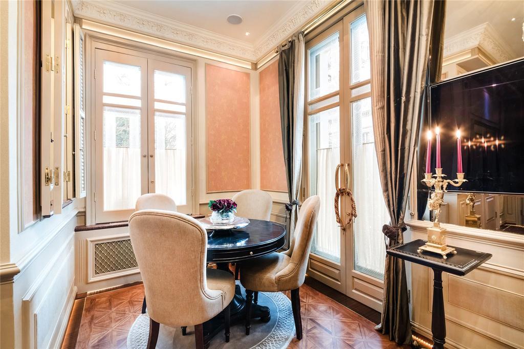 1 Bedroom Flat for sale in Thurloe Place, South Kensington, London