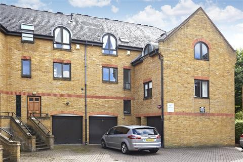 3 bedroom house to rent - Fowey Close, London