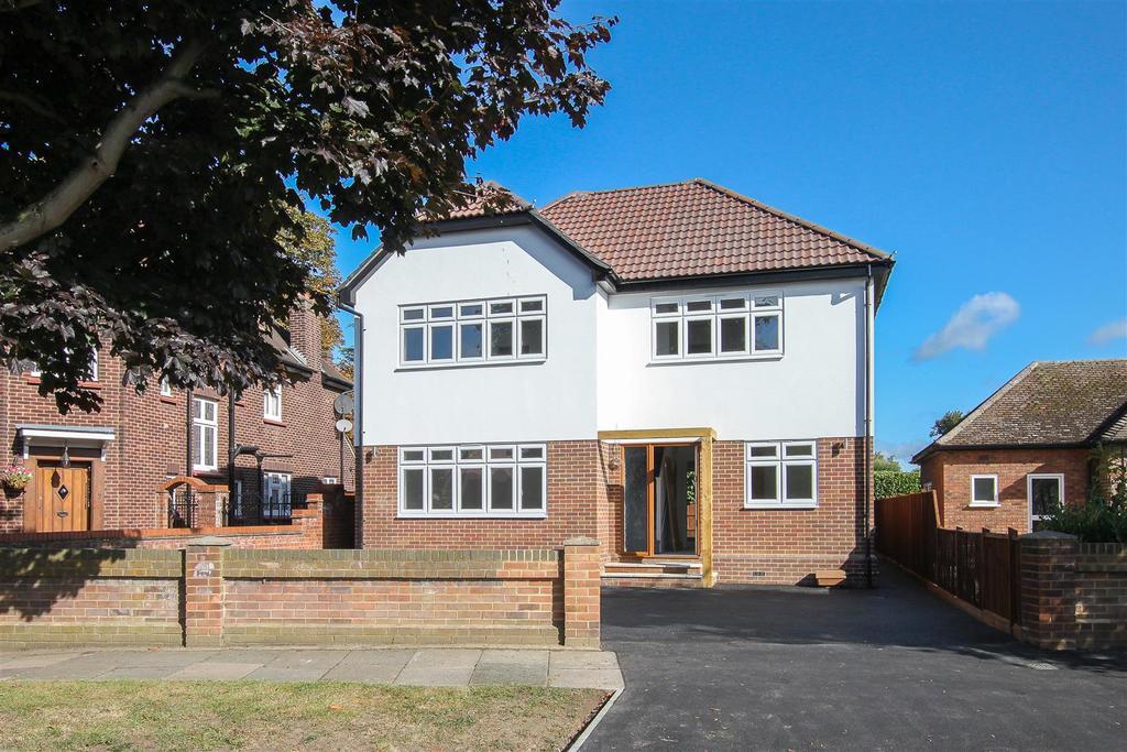 4 Bedrooms House for sale in Little Gaynes Lane, Upminster