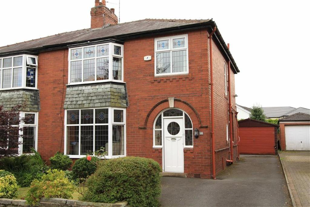 3 Bedrooms Semi Detached House for sale in 19, Moorgate Avenue, Bamford, Rochdale, OL11