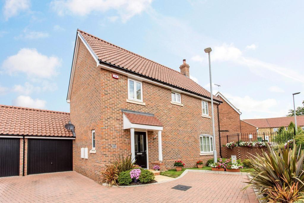 4 Bedrooms Detached House for sale in Mill Park Drive, Braintree, Essex, CM7