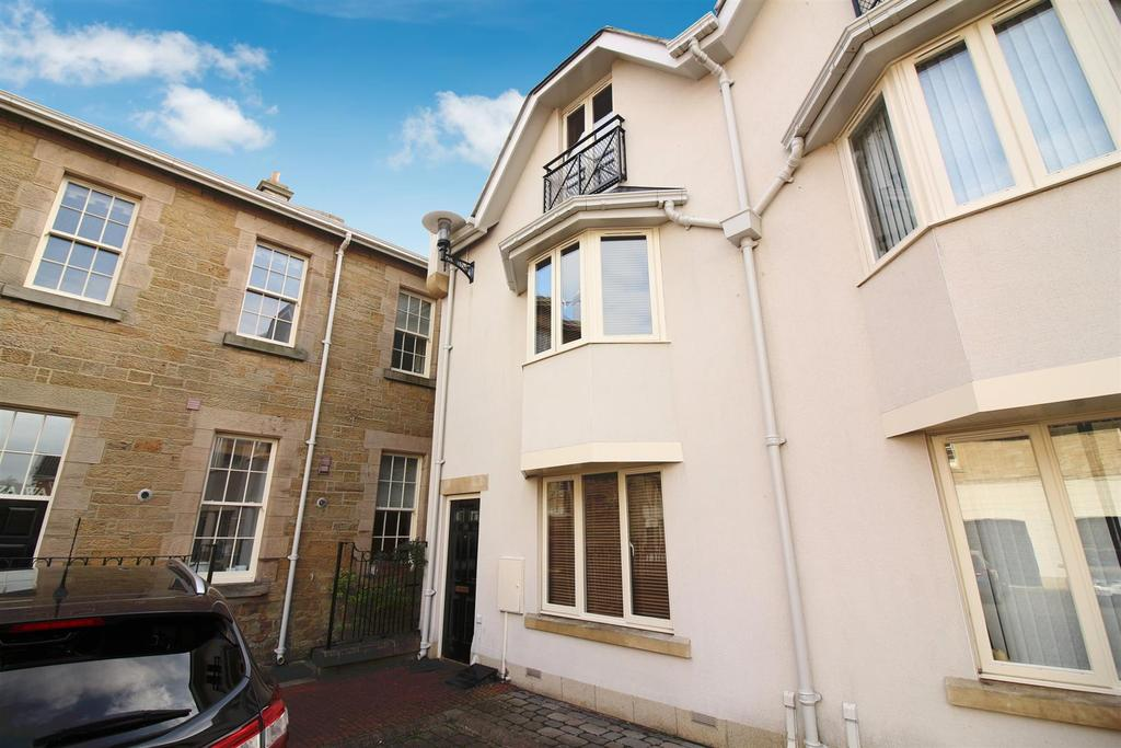 3 Bedrooms Town House for sale in Lanesborough Court, Newcastle Upon Tyne
