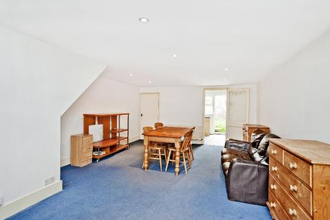 4 bedroom cottage to rent - 8 Ebor Cottages, Roehampton/Kingston Borders