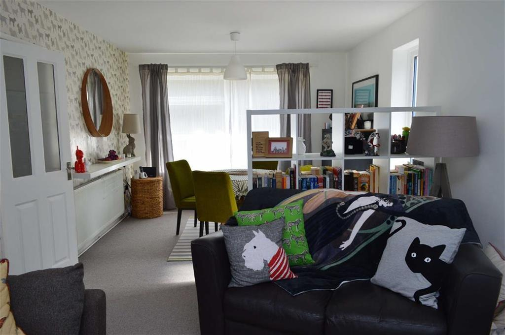 2 Bedrooms Apartment Flat for sale in Lorne Court, Lorne Road, Oxton, CH43