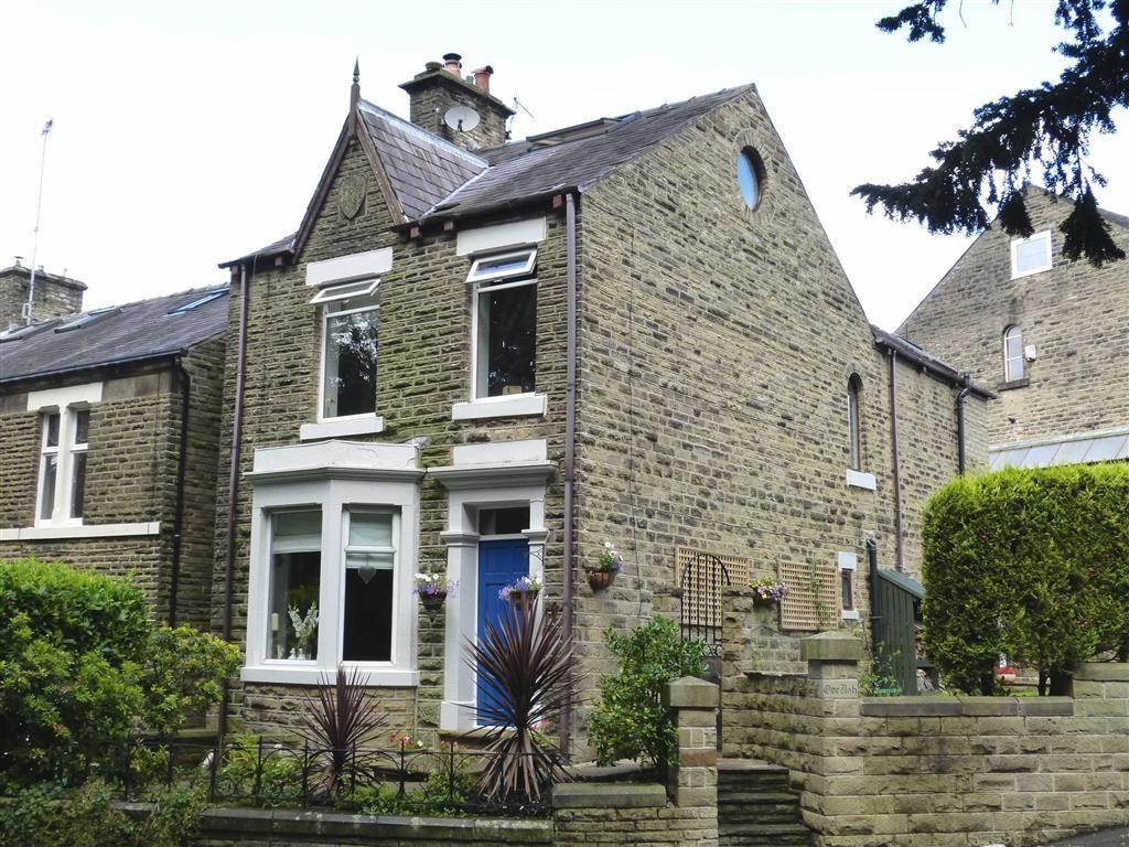 4 Bedrooms Detached House for sale in Slatelands Road, Glossop