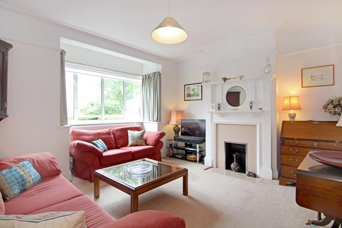 4 Bedrooms Terraced House for sale in Leconfield Avenue, London