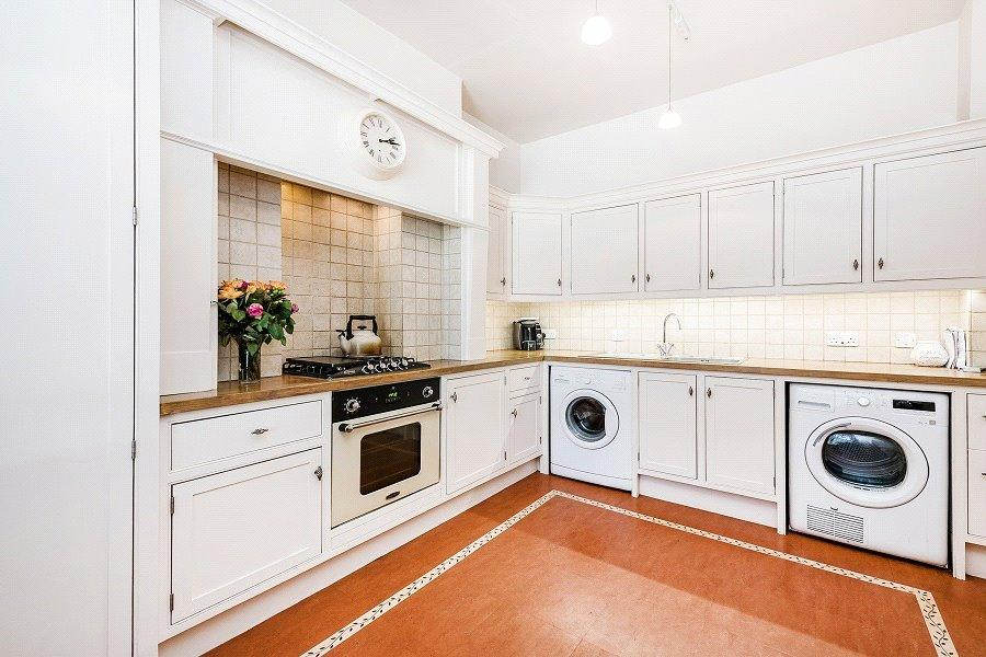 3 Bedrooms Flat for sale in Healey Street, Camden Town, London, NW1