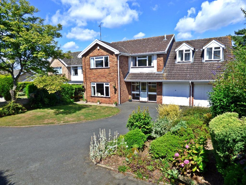 4 Bedrooms Detached House for sale in Loder Drive, Off Aylestone Hill, Hereford