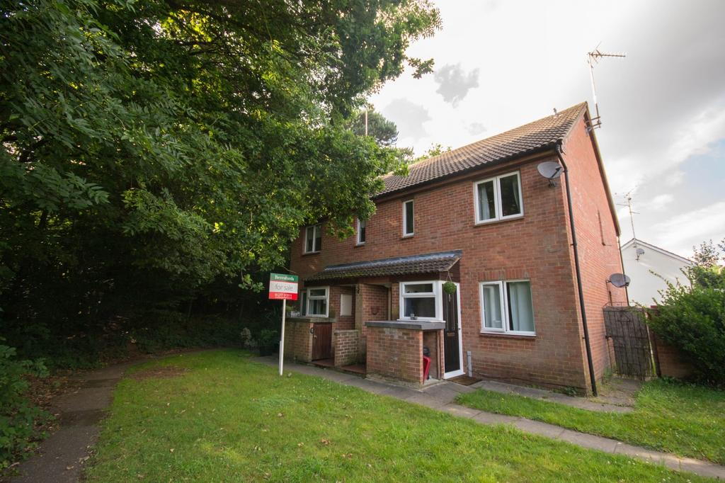 1 Bedroom Maisonette Flat for sale in Spalt Close, Hutton, Brentwood, Essex, CM13