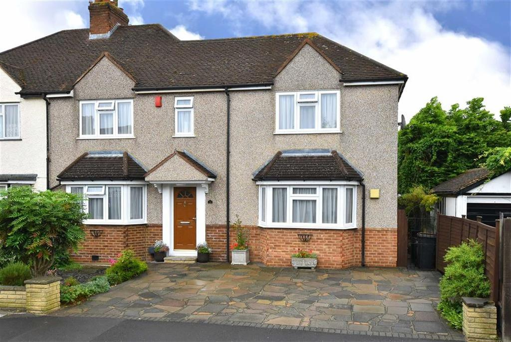 3 Bedrooms Semi Detached House for sale in Pittsmead Avenue, Hayes, Kent