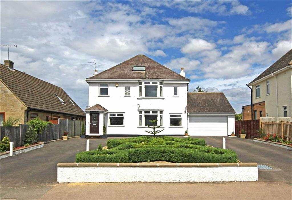4 Bedrooms Detached House for sale in Station Road, Bishops Cleeve, Cheltenham, GL52