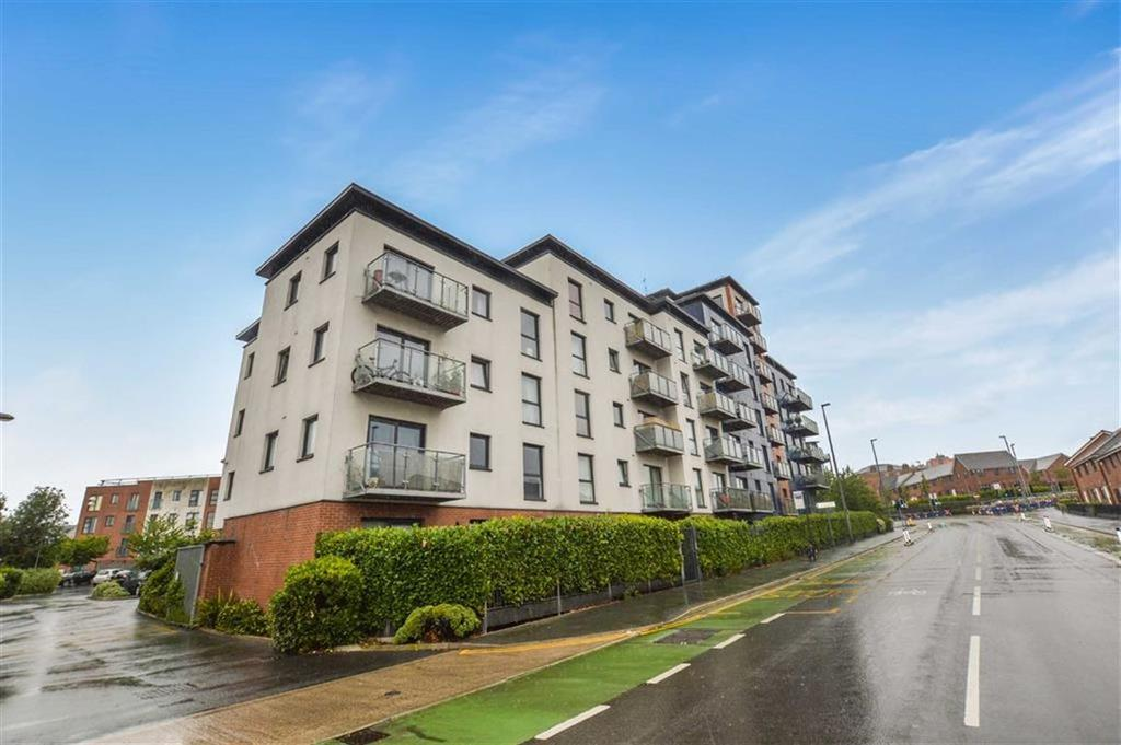 2 Bedrooms Apartment Flat for sale in The Quadrant, Salford, Greater Manchester, M7
