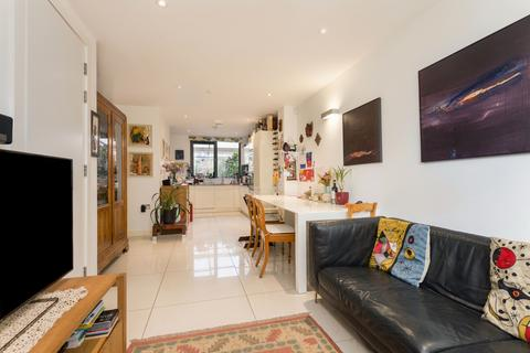 5 bedroom townhouse to rent - Hackney Grove, E8