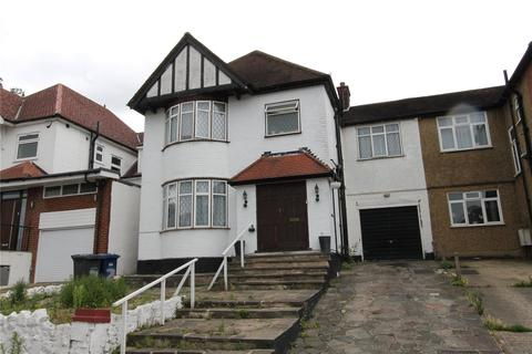4 bedroom detached house to rent - Margarets Court, St. Margarets Road, Edgware, HA8