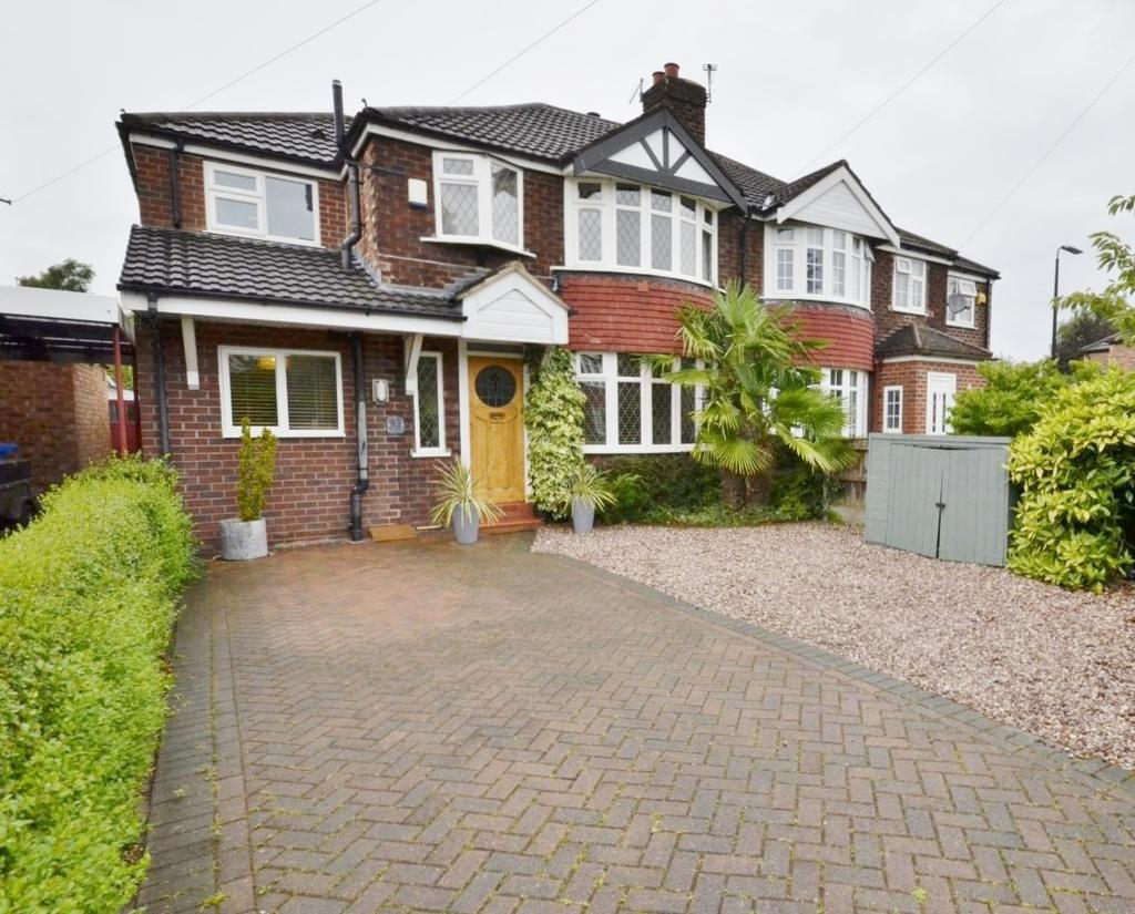 4 Bedrooms Semi Detached House for sale in Bloomsbury Lane, Timperley, Altrincham