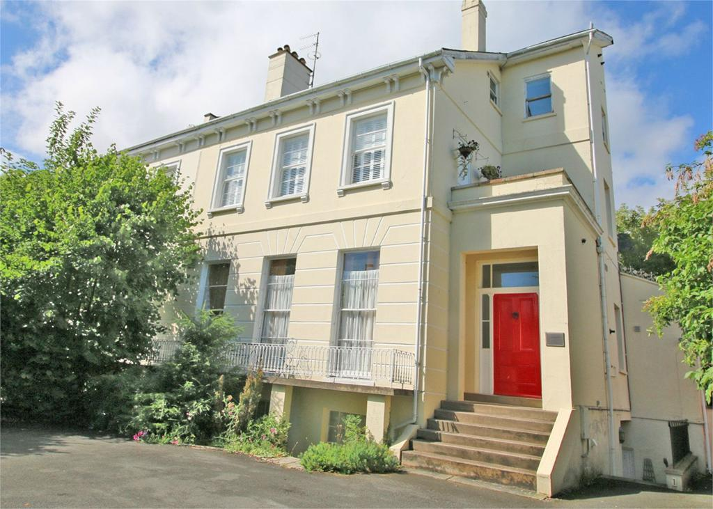 2 Bedrooms Flat for sale in 62 Lansdown Road, Cheltenham