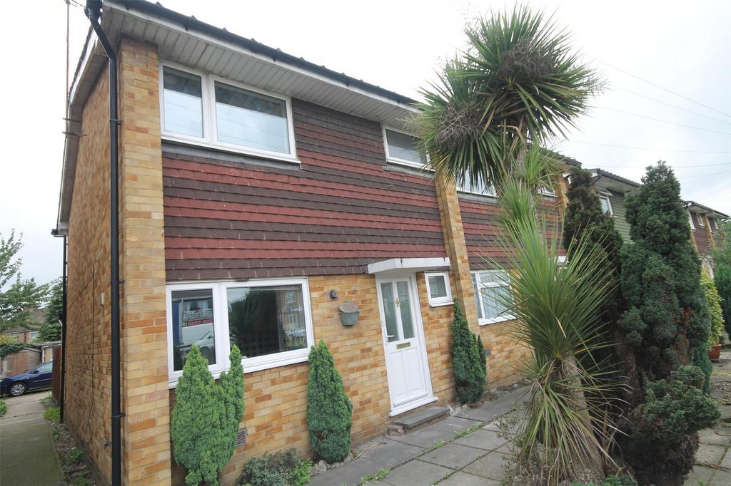 3 Bedrooms Semi Detached House for sale in Staines Road West, Ashford, Surrey