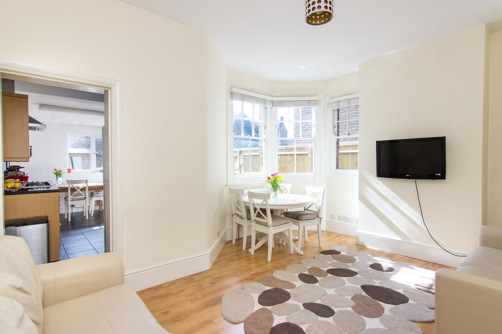 2 Bedrooms House for sale in Julien Road, Ealing
