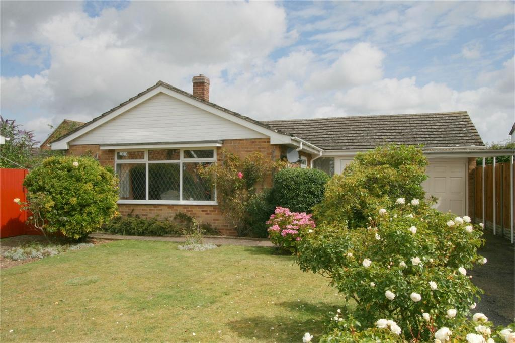 3 Bedrooms Detached Bungalow for sale in St Edmunds Gate, NR17 2DL, Attleborough, ATTLEBOROUGH, Norfolk