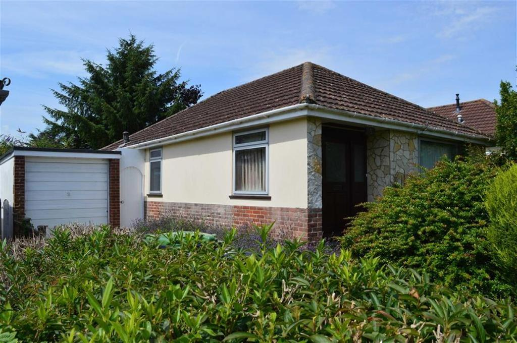 3 Bedrooms Detached Bungalow for sale in Culverhayes Road, Wimborne, Dorset