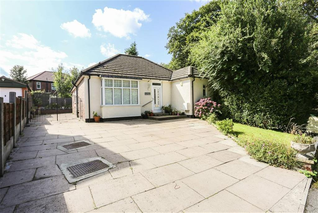 2 Bedrooms Detached Bungalow for sale in The Drive, Bredbury, Cheshire