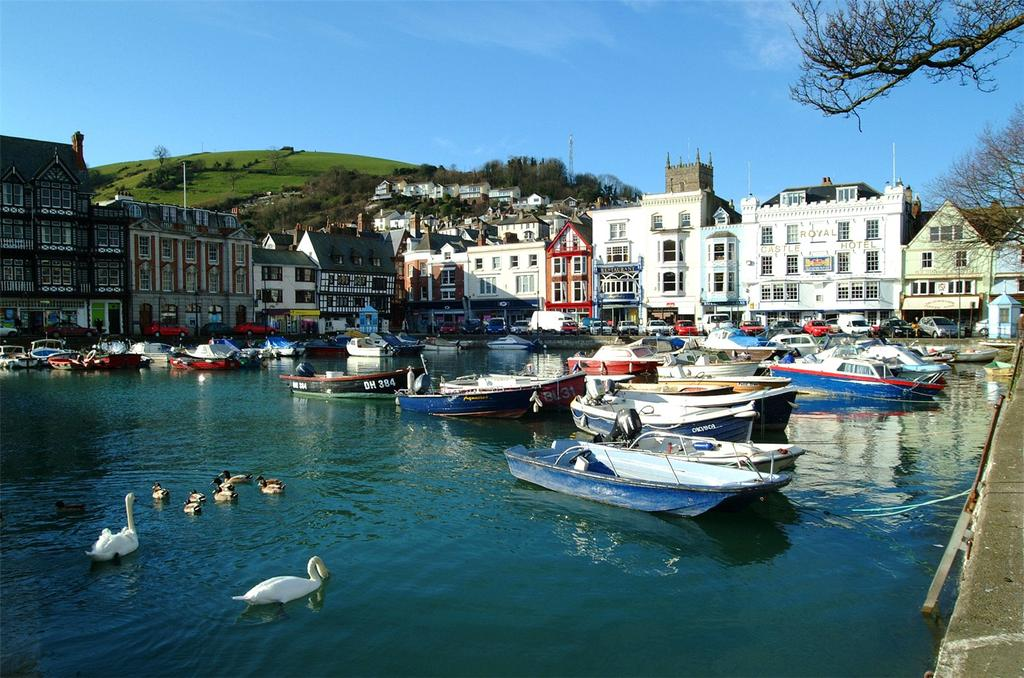 2 Bedrooms Apartment Flat for sale in Church Close, Dartmouth, TQ6