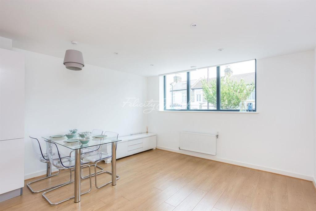 2 Bedrooms Flat for sale in Wesleyan School, Leswin Road, N16