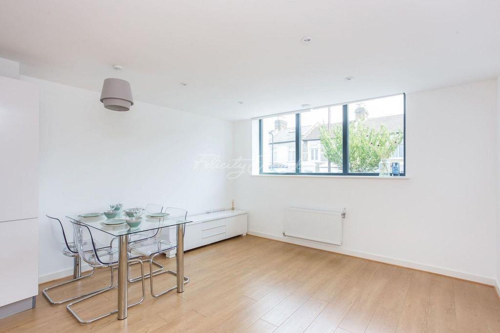 2 Bedrooms Flat for sale in Wesleyan School, Leswin Road, N16