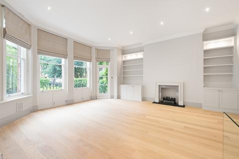 3 bedroom flat to rent - Courtfield Road, South Kensington, London, SW7