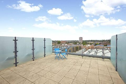2 bedroom flat for sale - Townmead Road, Imperial Wharf, Fulham, London, SW6