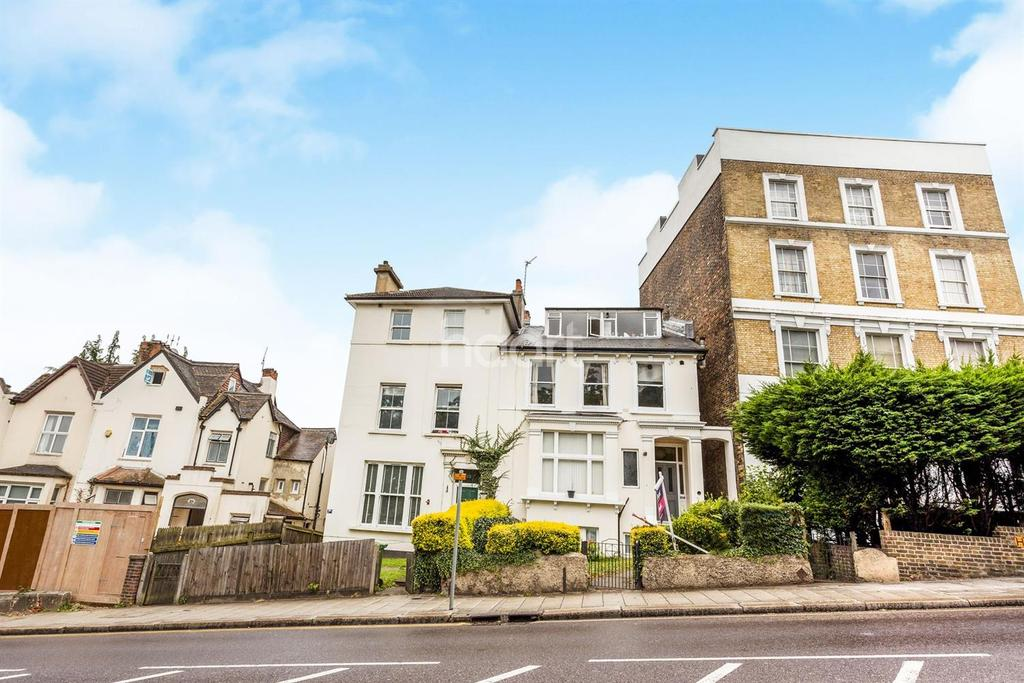 2 Bedrooms Flat for sale in Anerley Hill., Crystal Palace, SE19