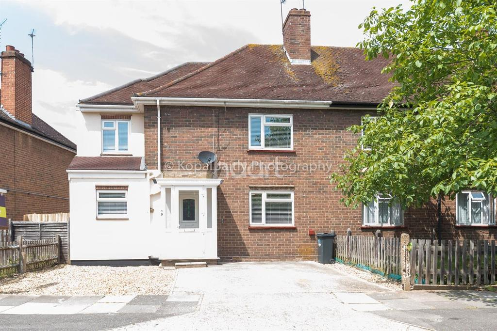 6 Bedrooms Semi Detached House for sale in Brentwick Gardens, Brentford