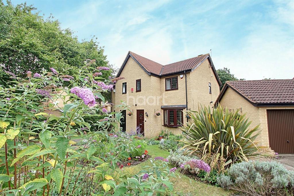3 Bedrooms Semi Detached House for sale in Bancroft Park, Milton Keynes