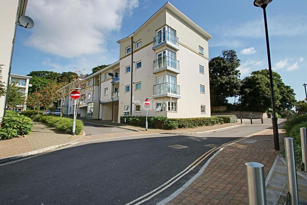 2 Bedrooms Flat for sale in Oak Hill Road, Torquay