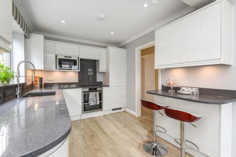 4 bedroom link detached house for sale - Grove Park Road Mottingham SE9