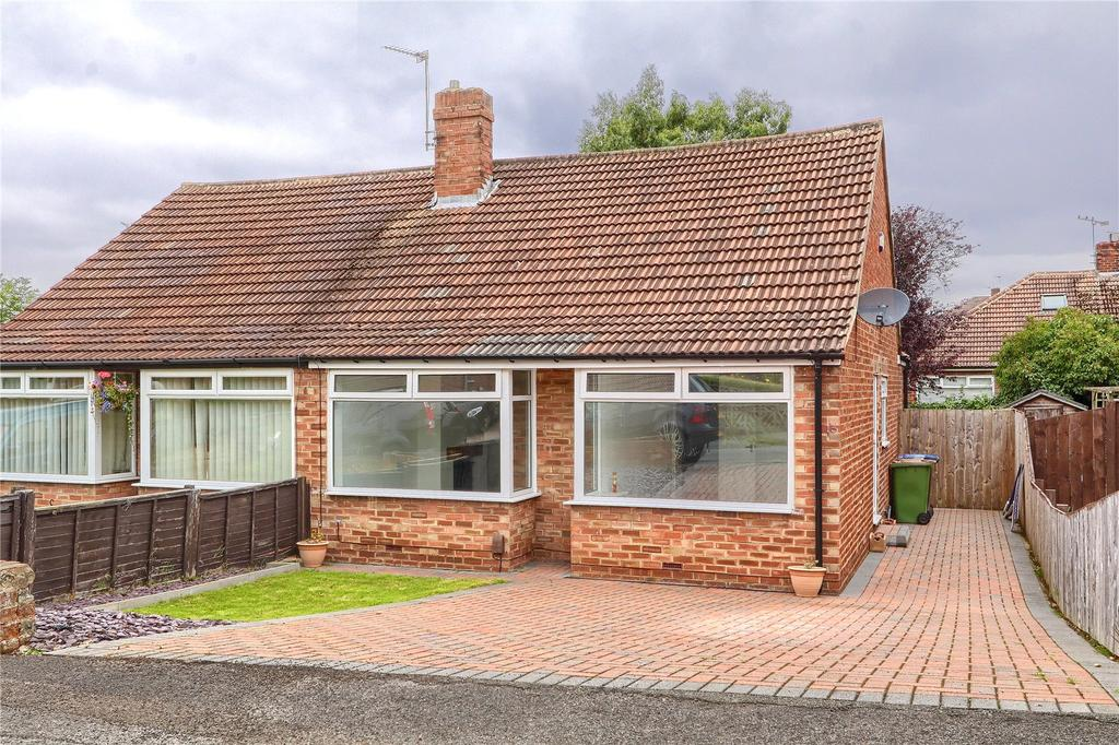 2 Bedrooms Semi Detached Bungalow for sale in Farndale Road, Nunthorpe