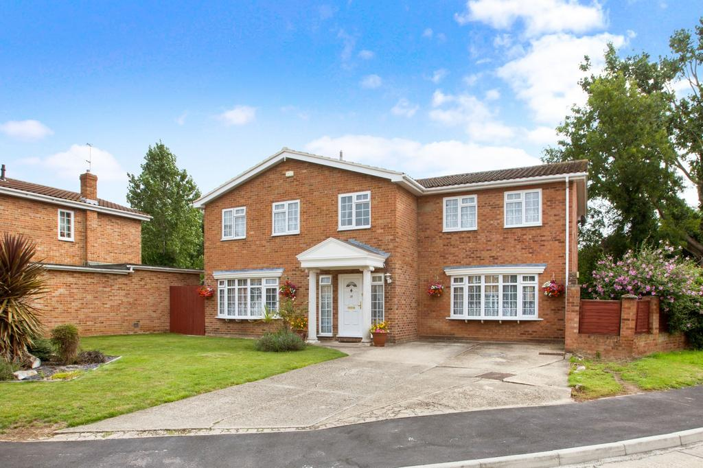 5 Bedrooms Detached House for sale in Kings Way, South Woodham Ferrers, Chelmsford, Essex, CM3