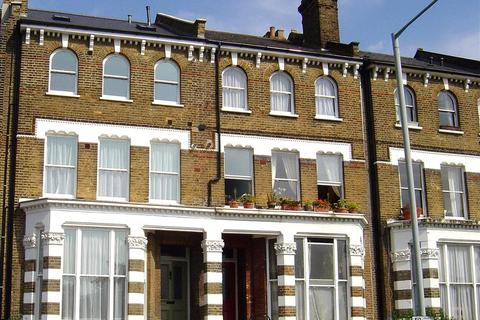 2 bedroom flat to rent - Caversham Road, Kentish Town, London, NW5