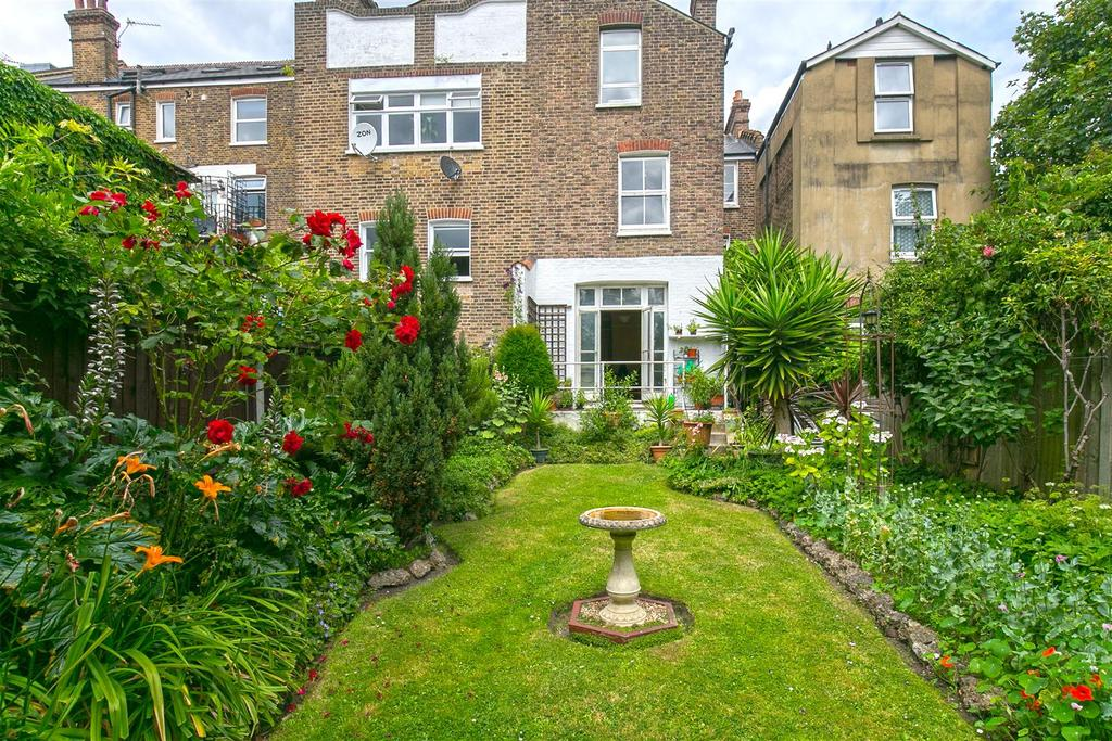 7 Bedrooms House for sale in Shrubbery Road, Streatham, SW16