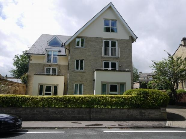 2 Bedrooms Apartment Flat for sale in Bradford Road Brighouse
