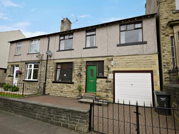 5 Bedrooms Semi Detached House for sale in Lister Street Brighouse