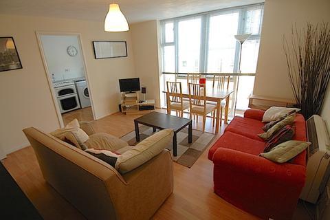 1 bedroom apartment to rent - Felixstowe Court, London E16