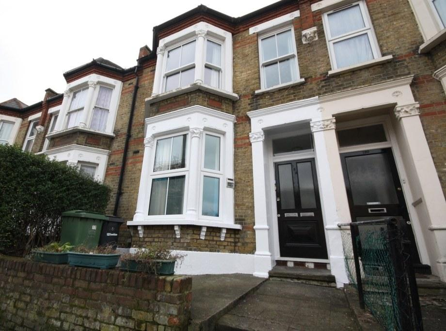 1 Bedroom Ground Flat for sale in St. Asaph Road, Brockley, London, SE4