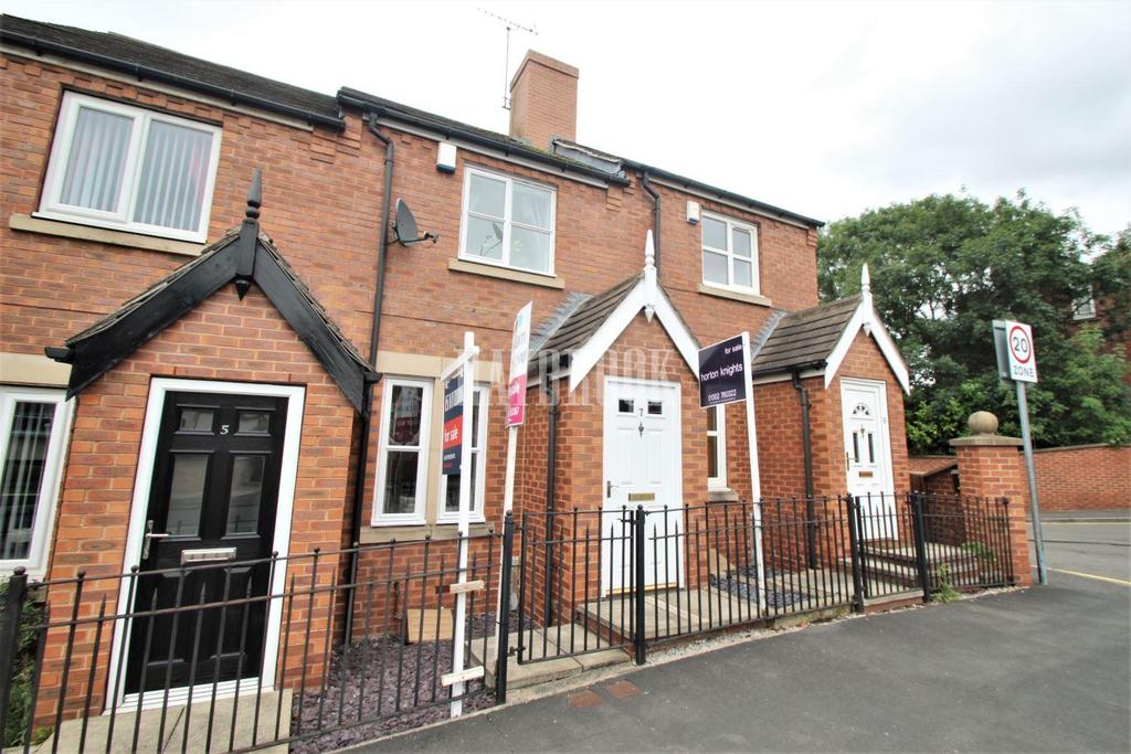 2 Bedrooms Terraced House for sale in Riverside Close, Conisbrough