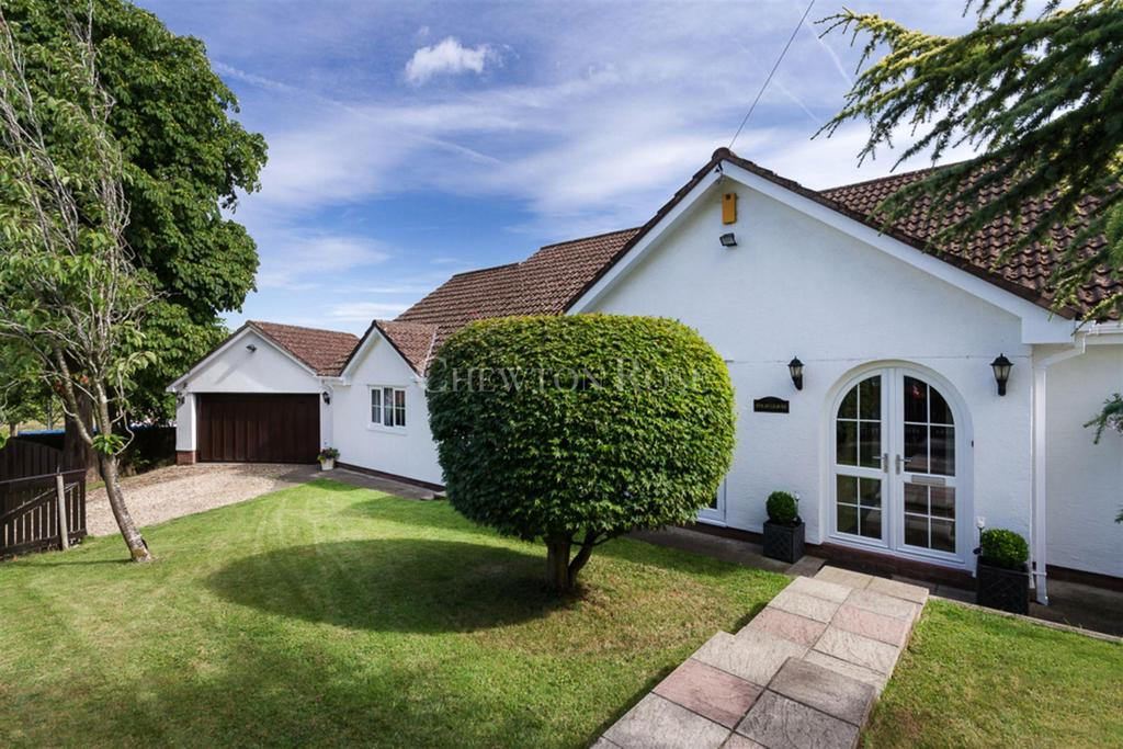 5 Bedrooms Detached House for sale in Newport